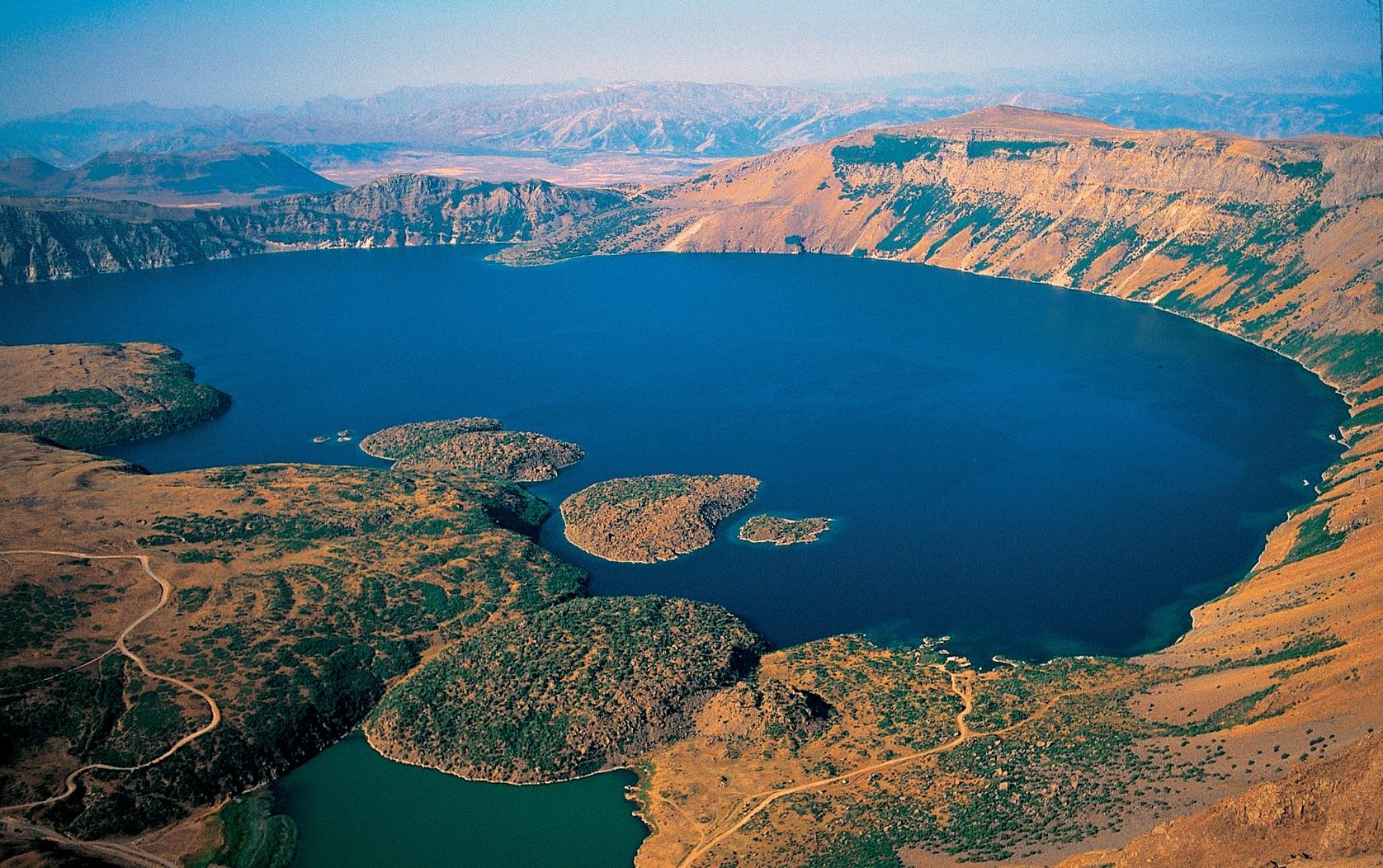 Bitlis Nemrut Gölü