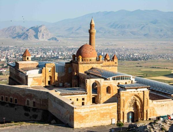 Ağrı'daki kartal yuvası; İshak Paşa Sarayı